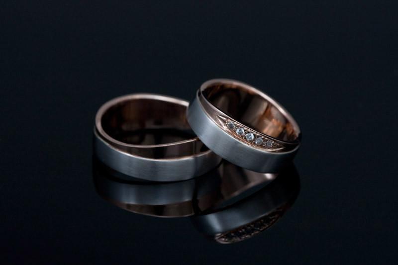 Diamantni poročni prstani