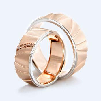 Cenik poročnih prstanov v Zlatarskem ateljeju
