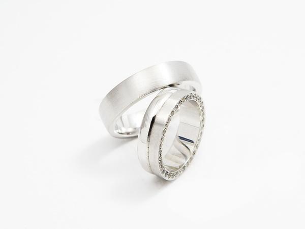Poročni prstani iz platine