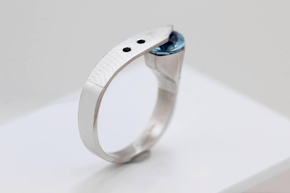 Unikatni zaročni prstan